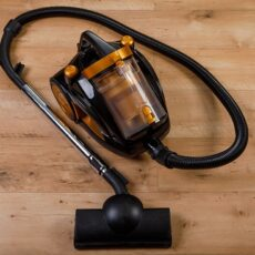 Canister vs Upright Vacuum- A Complete Comparison