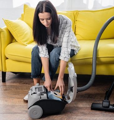 Changing Vacuum Filter
